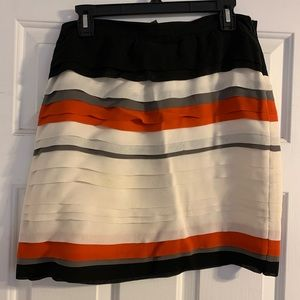 Club Monaco 100% silk tiered mini skirt 10